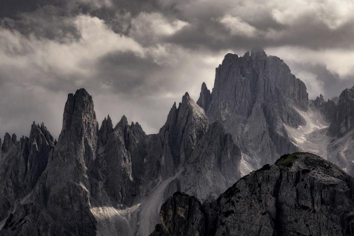 dolomiten, drei zinnen, tre cime, berge, berg, dramatisch, wolken, bewölkt,