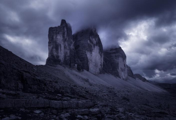 drei zinnen, tre cime, auronzo, dolomiten, südtirol, bozen, meran, dramatisch, wolken, bewölkt, nationalpark, unesco,