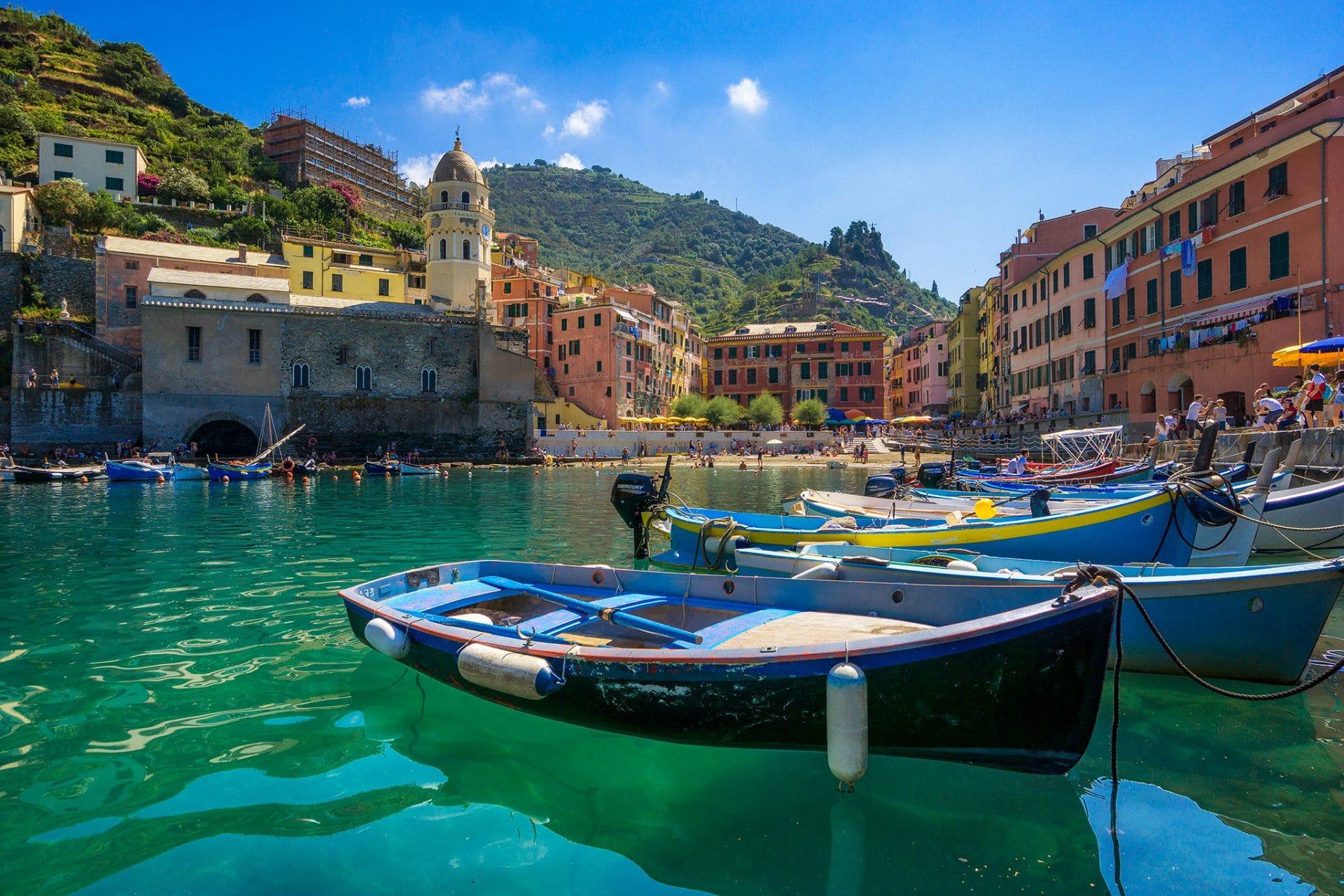 Blick auf Vernazza vom Hafen aus.
